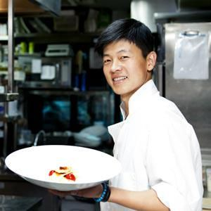#CIAGrad Molecular mastery from the king of new Korean cuisine http://bit.ly/1HWJSVk #proud2bcia
