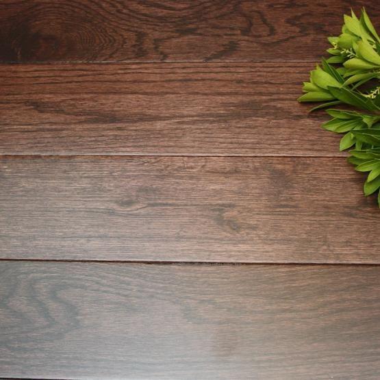 Oak Chocolate Chip 34 X 3 58 Solid Hardwood Flooring Our Floors