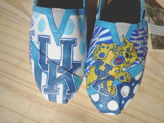 Kentucky Wildcats Hand Painted Toms By Myhearttoyoursole
