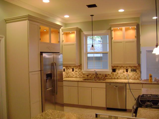 Best Cream Cabinets And White Trim Off White Kitchen Cabinets 400 x 300