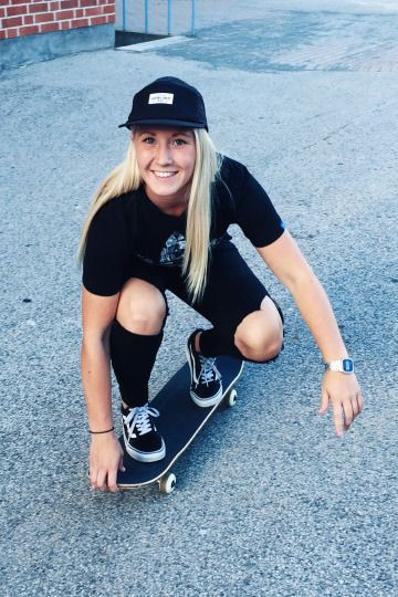 Who S That Vans Girl Ameliaflb With Images Skater Girl