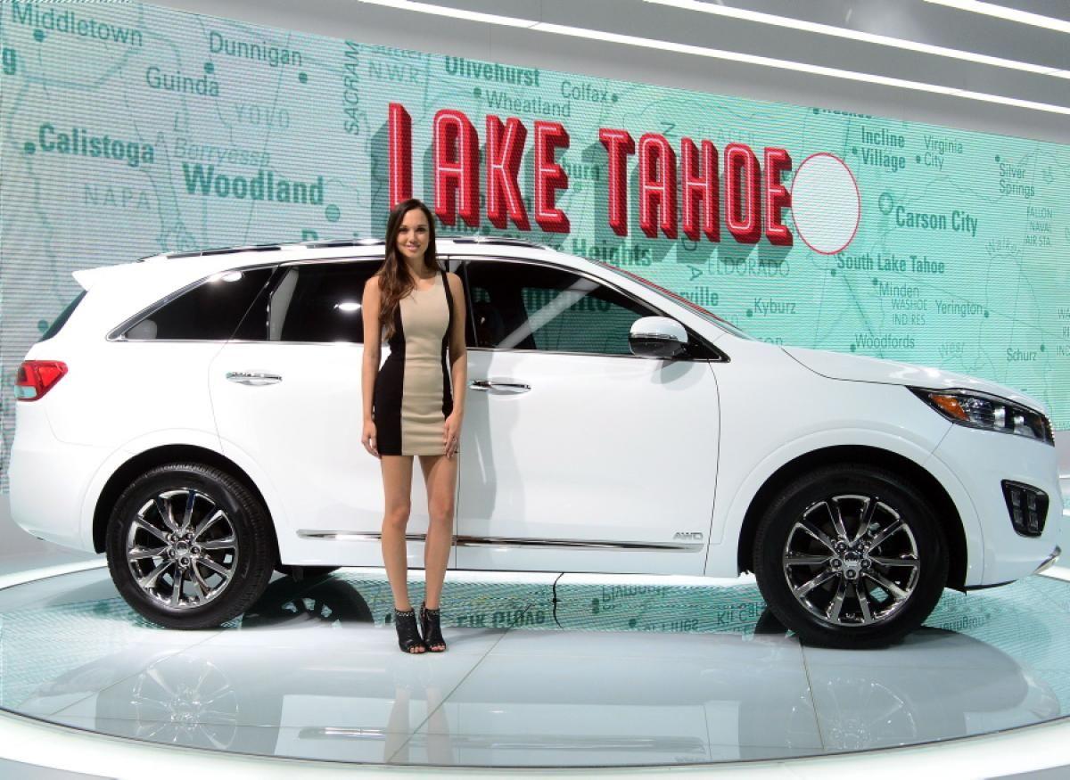 2014 los angeles auto show auto show girls sexiest wackiest moments
