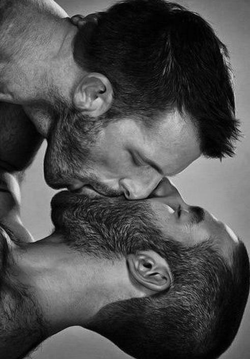 Gay gives head