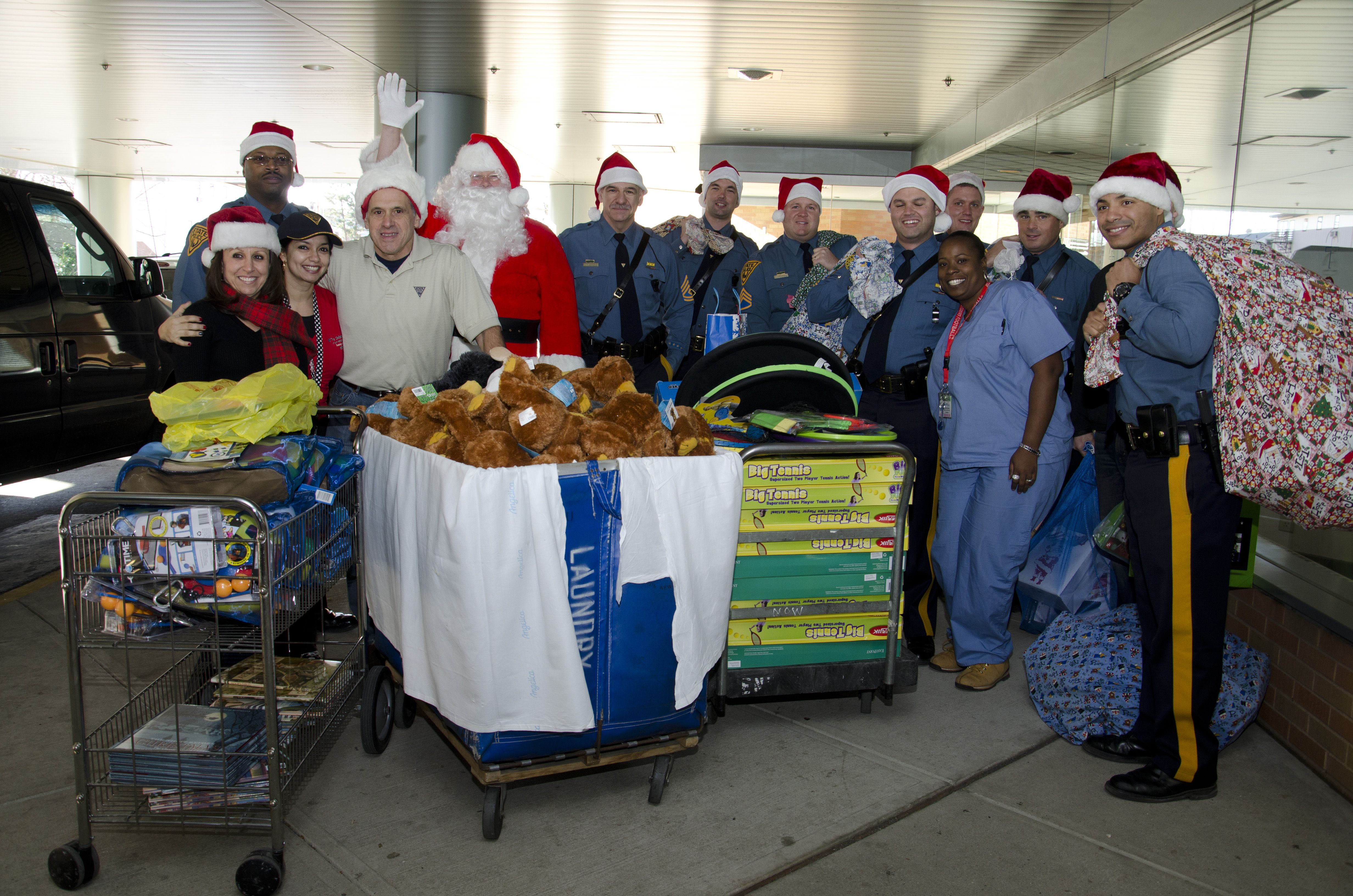 NJ State Police Donate for Xmas New brunswick new jersey