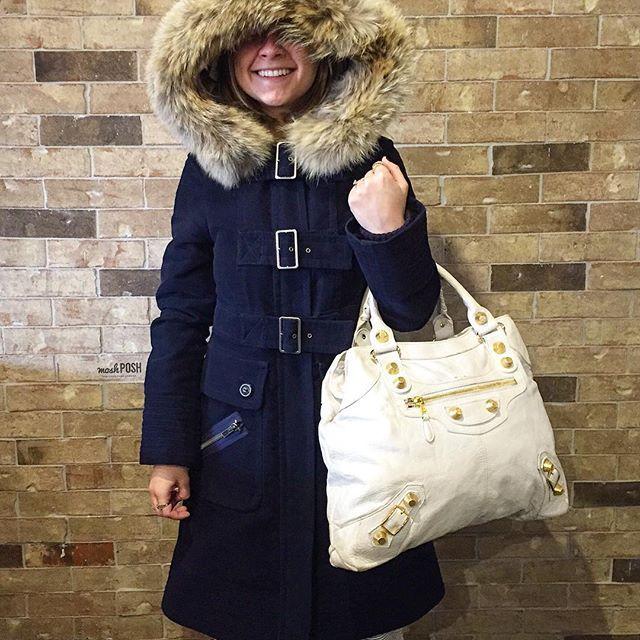 Getting cozy with Marc Jacobs & Balenciaga! Shop this Balenciaga handbag on…