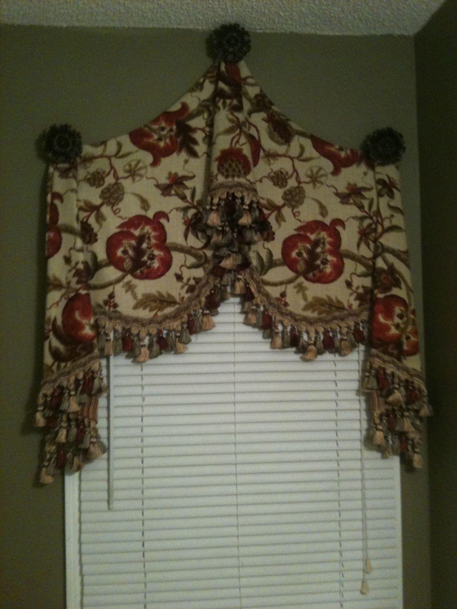 Window treatment for a bathroom tiffani designs - Bathroom curtains window treatments ...