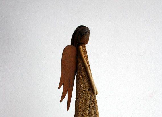 """Treibholz - Skulptur """" Engel """"...aus natürlichem Treibholz mit Metall - Flügeln...Schutzengel Skulptur...37 cm"""