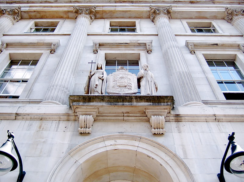 Entrance And Coat Of Arms Of The 19th Century King S Building Strand Campus Kingsbuilding King S College London King S College London King S College London