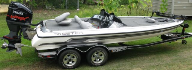 Skeeter Bass Boats For Sale >> 20 Feet 2008 Skeeter Zx200 Bass Boat White Silver Black