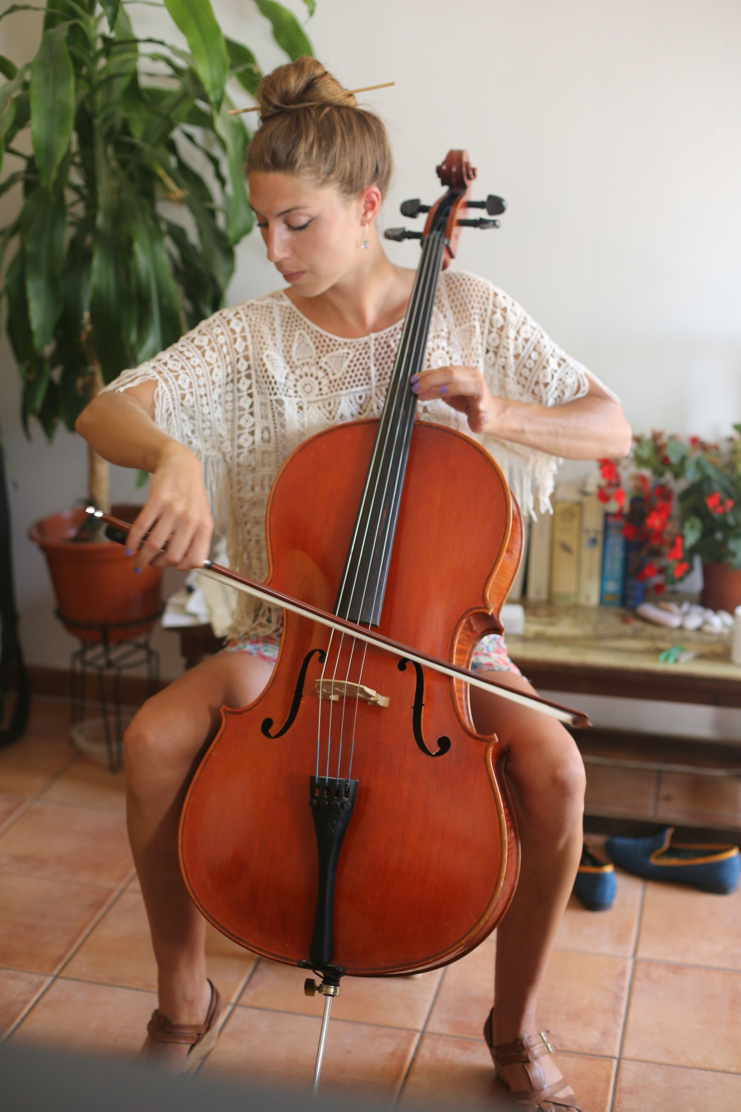 Pin By Grant On Cello Female Musicians Music Photography Musical Art