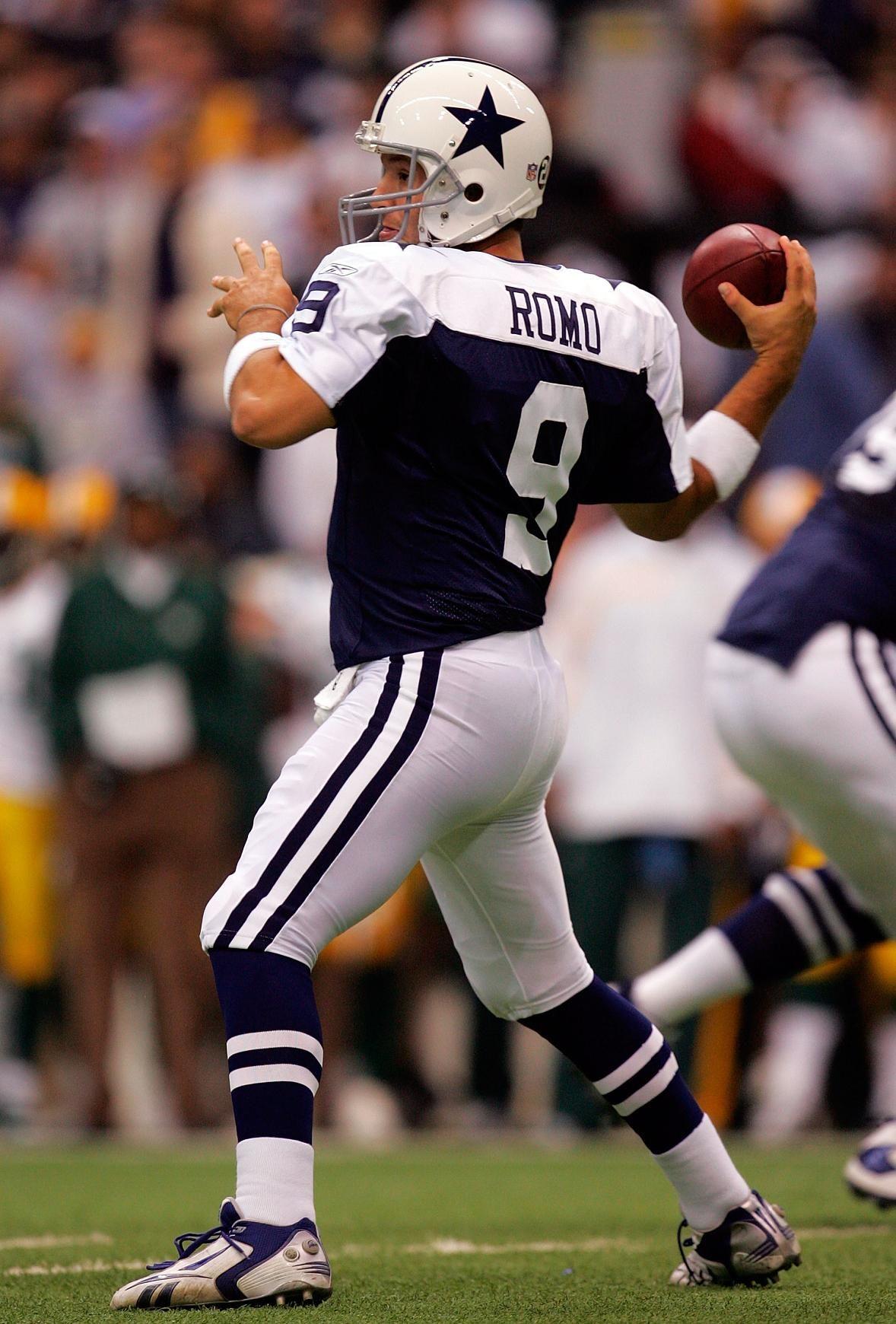 Photo 4 of 22, Tony Romo Dallas cowboys football team