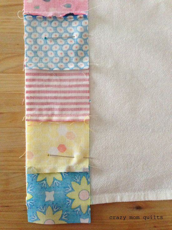 Well, hello! TodayI will share a simple (and fun) little tutorial on how to make a patchwork dish towel. The strip of patchwork isa perf... #dishtowels