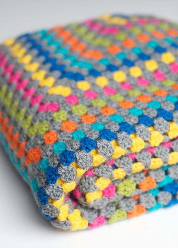 Granny square blanket with multiple colors   Pinterest   Manta ...