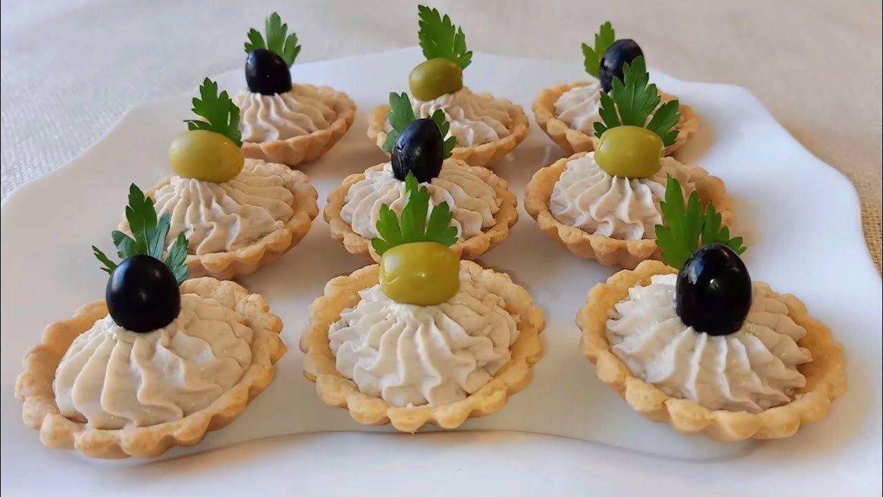 تارتولات مالحة بموس الدجاج بعجينة مقرمشة و حشوة سهلة التحضير رافقوها مع شريبتكم و صح فطوركم Youtube Snacks Party Snacks Desserts