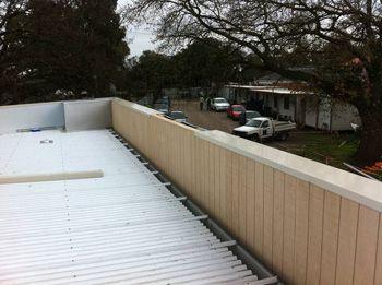 Box Gutter With Parapet Wall Above Garage Parapet Flat Roof Roof Deck