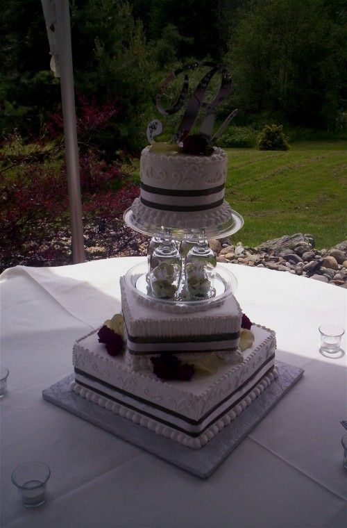 Wedding Cakes Using Wine Glasses | Wine Glasses As Separators This Is A  Recent Cake Done