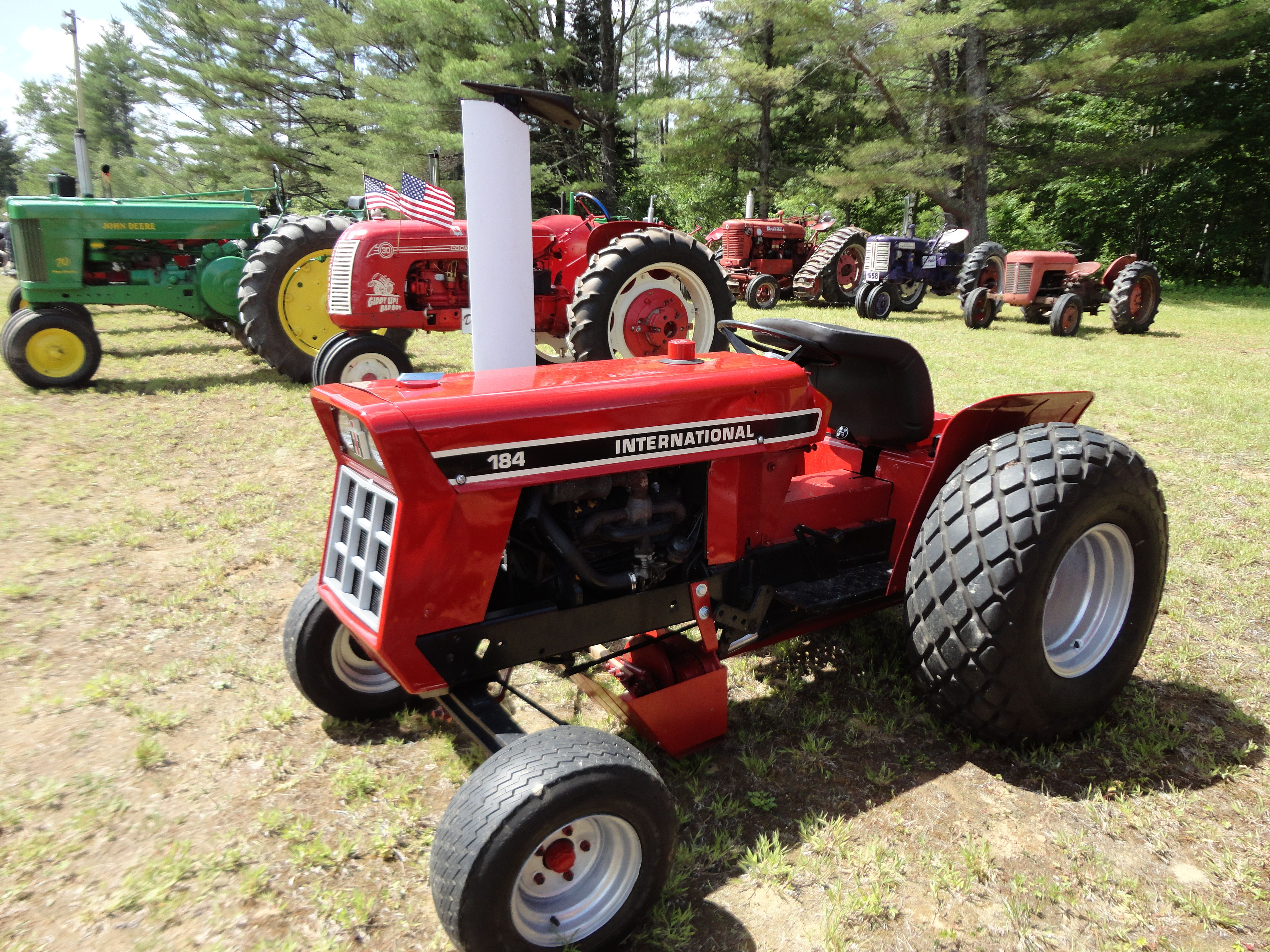 184 International Tractor. | Only Red Tractors | Tractors ... on