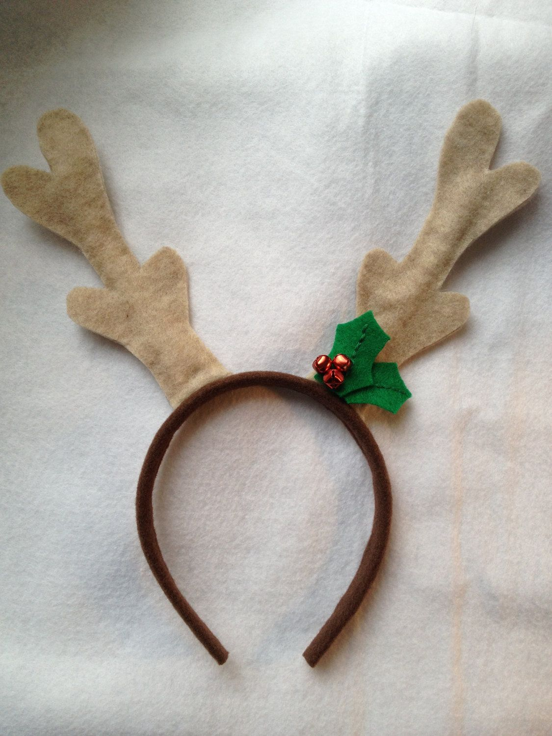 Dinnerbydesign i 39 m a sucker for silly holiday headbands for Reindeer antlers headband craft