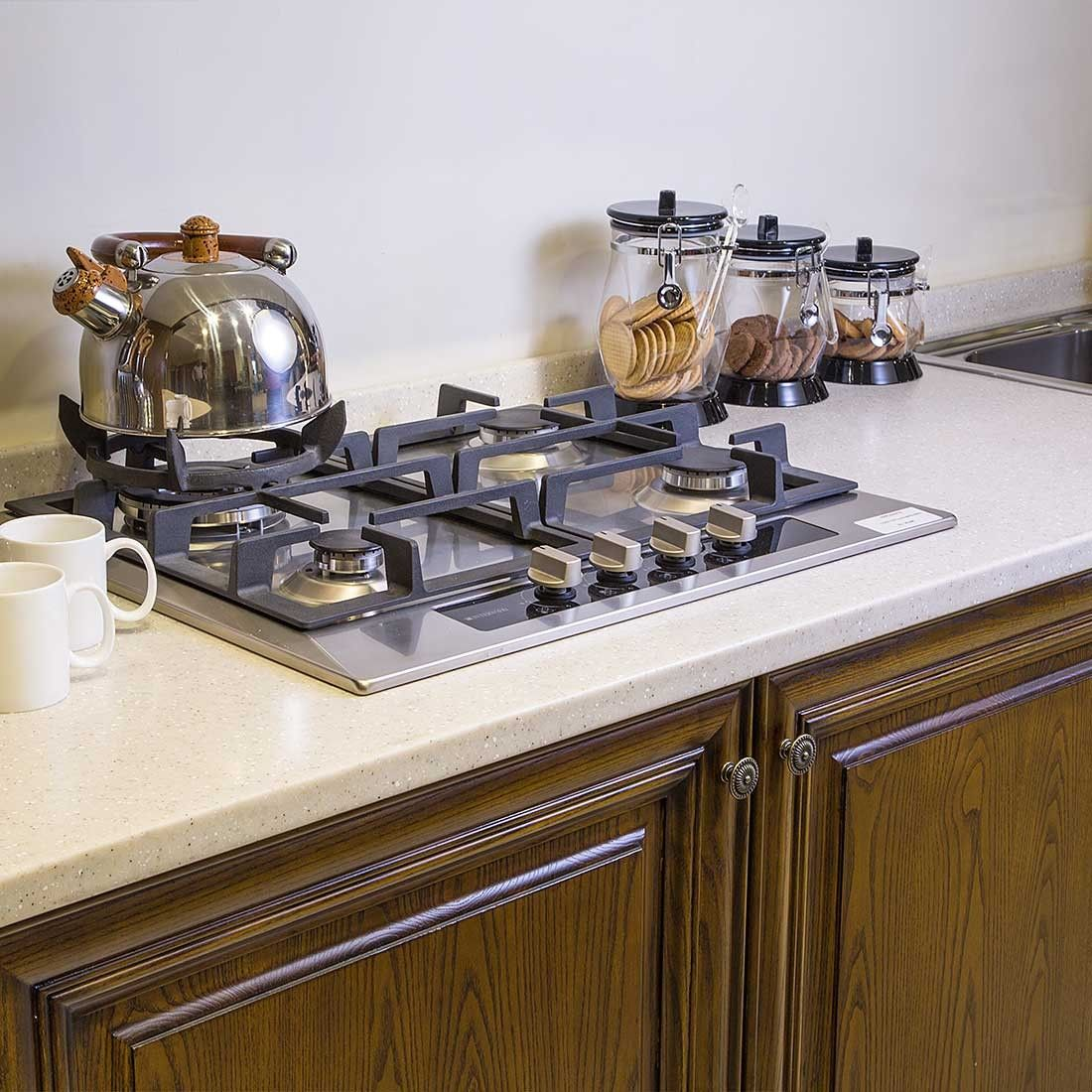 Traditional Style Kitchen Design With A Modern Twist: Old School Charm With A Contemporary Twist