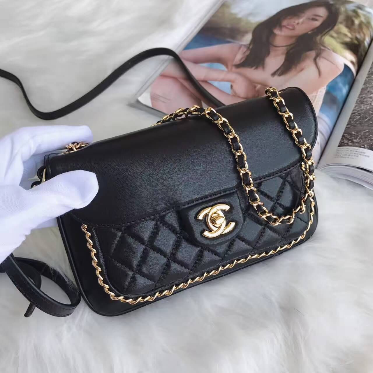Chanel Cc Unchained Flap Bag In Black Lambskin A