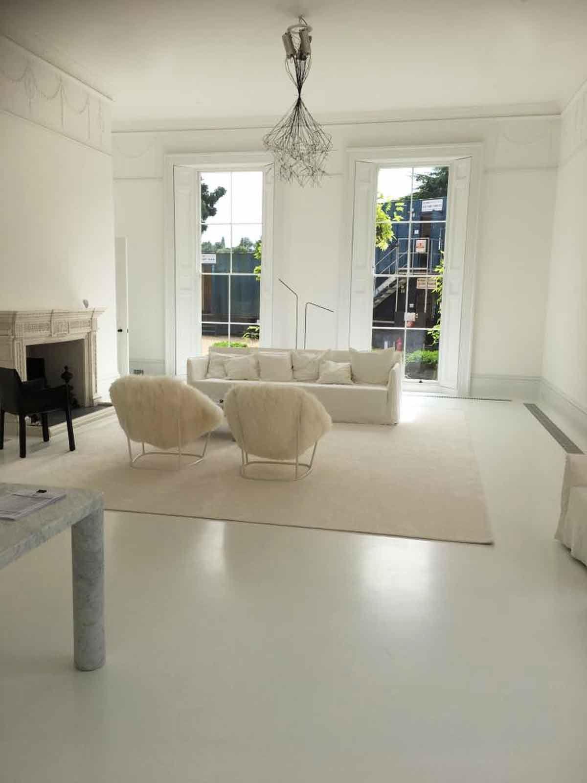 Pavimento In Resina Bianco.Pin Su Pavimenti In Resina Living Floors Infinity