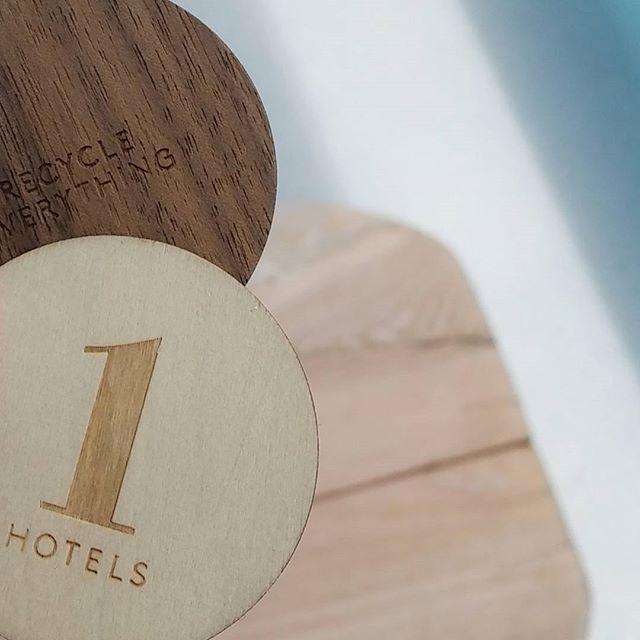 Room keys @1hotelsb  On vient de rendre les clés de la chambre... Le départ approche !  #checkouttime #ailleursisbetter