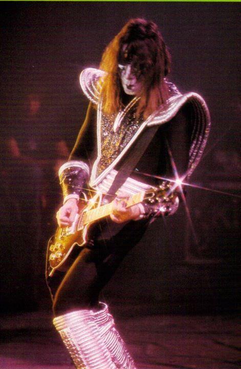 Ace Frehley Www Hardrockhorror Com Kiss Concert Kiss Band