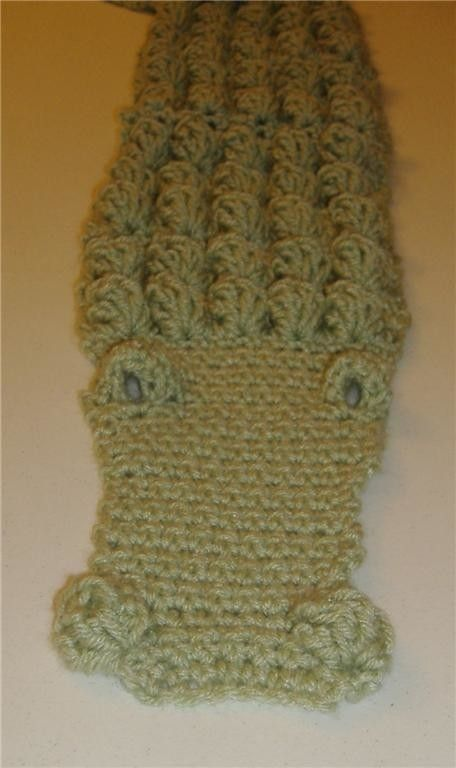 Crocheted Alligator Scarf Crochet Scarfsneckwarmers Pinterest