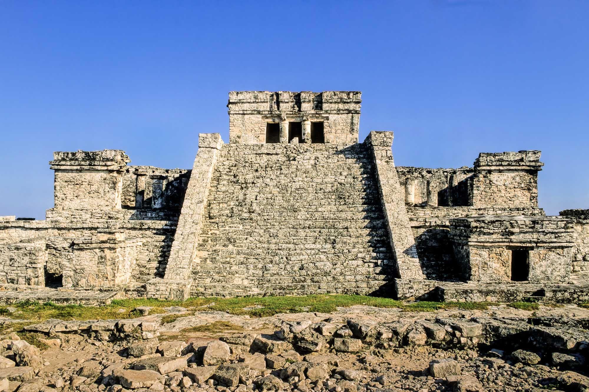 El Castillo, Tulum, Mexico — Dumbarton Oaks | Tulum, Mexico, Maya  architecture