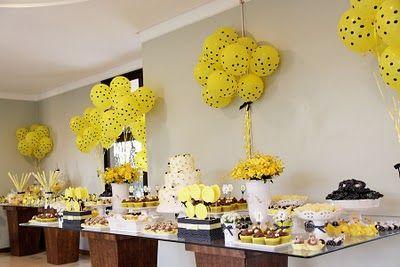 d coration fait maison buffet jaune comme les abeilles anniversaire maya l 39 abeille pinterest. Black Bedroom Furniture Sets. Home Design Ideas