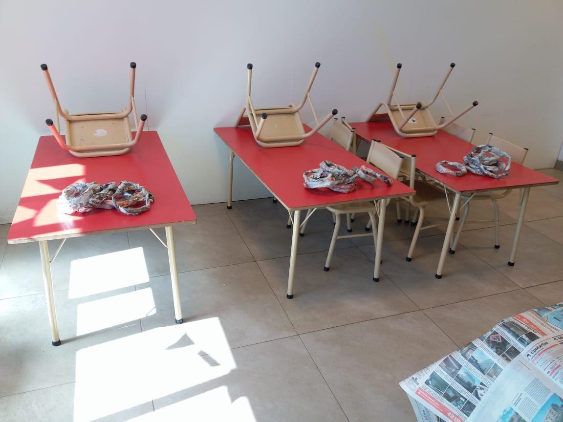 Escenario Ludico Sala De Cuatro Con Papel De Diario Instituto