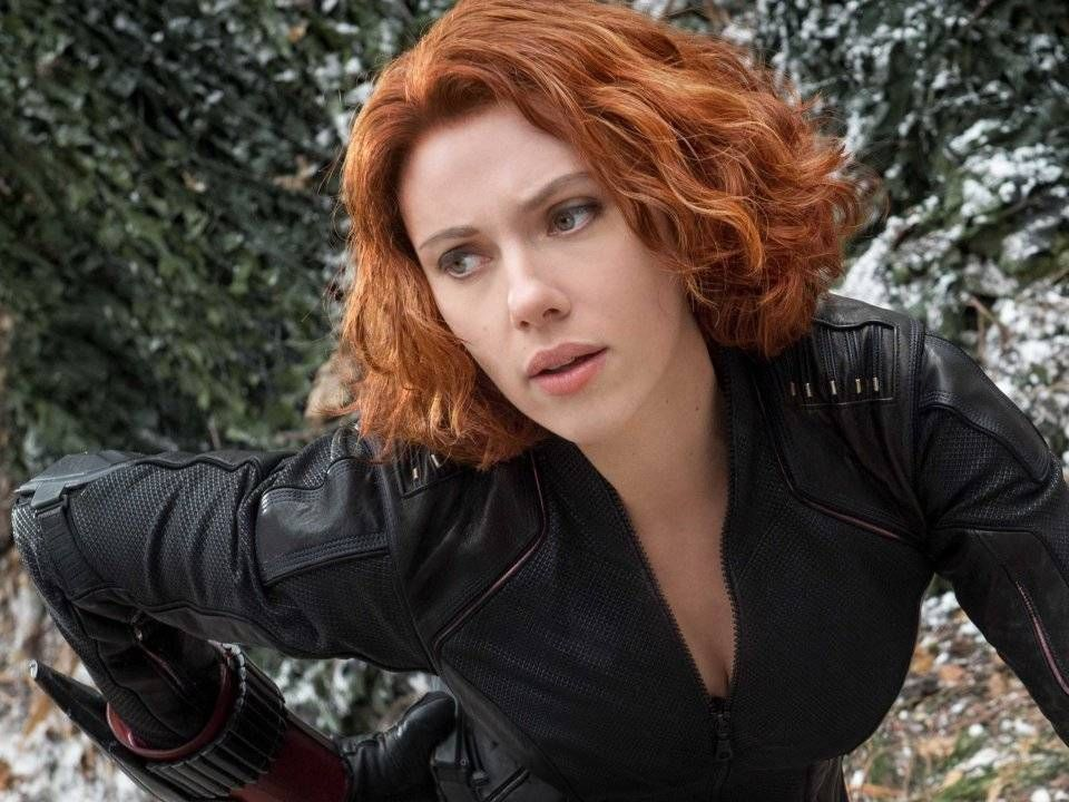 Pin By Kelly Busby On Marvel Movie Comics Red Bob Hair Black Widow Movie Curly Waves