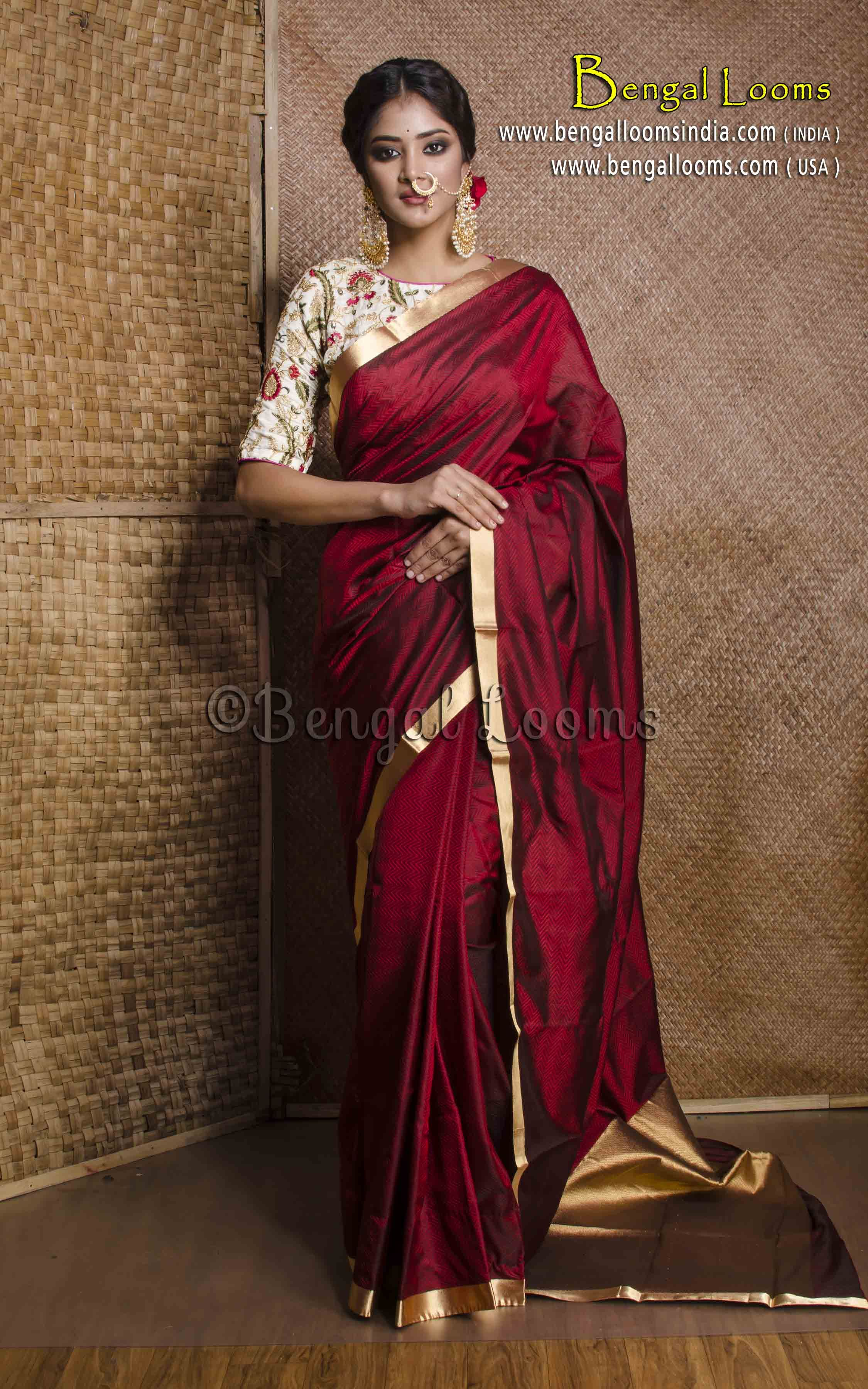 4c284a0997678 Pure Handloom Kanchipuram Silk Saree in Maroon and Gold