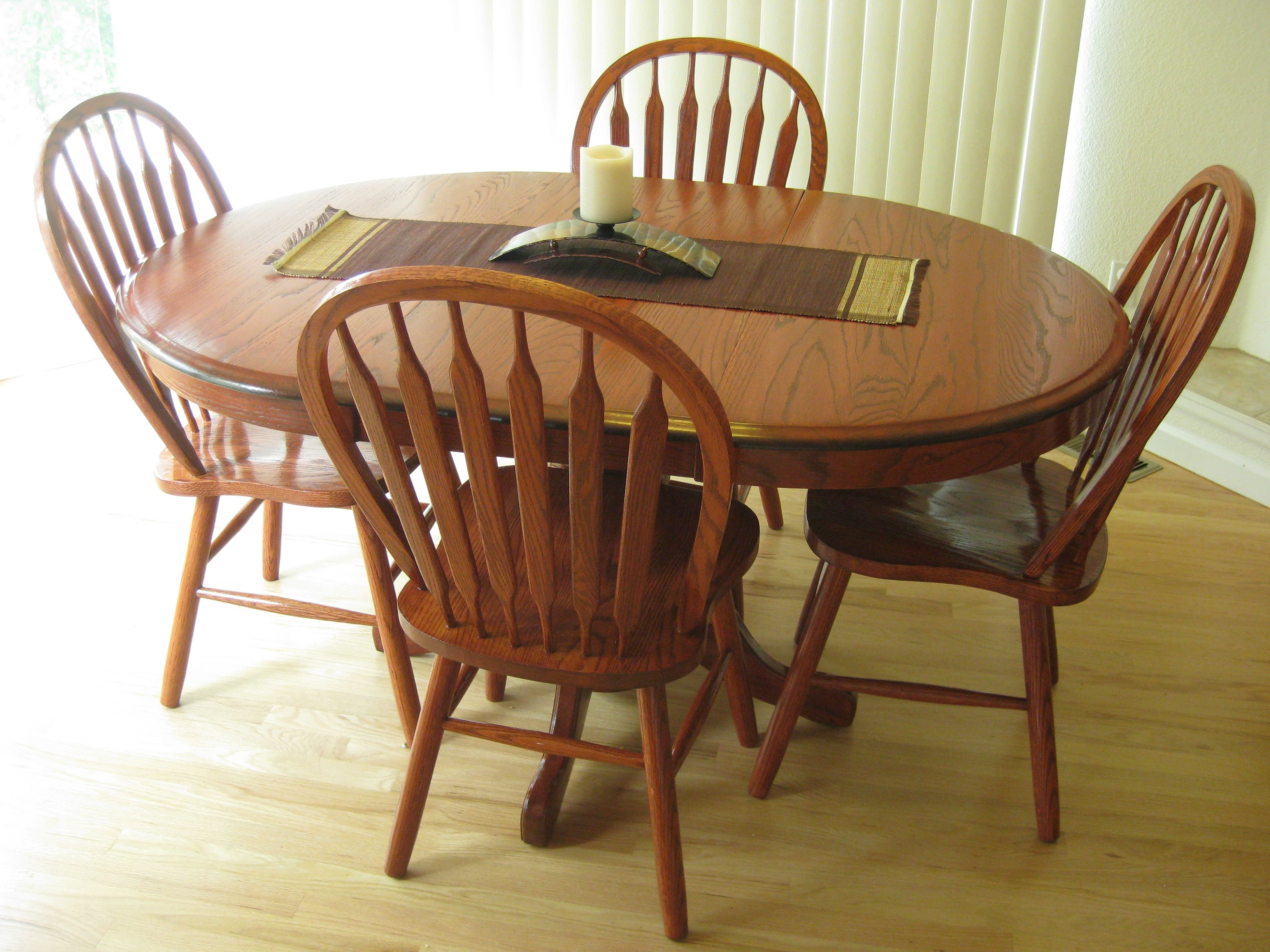 Refinished Shin Lee Oak 5 Piece Dining Set With Leaf American