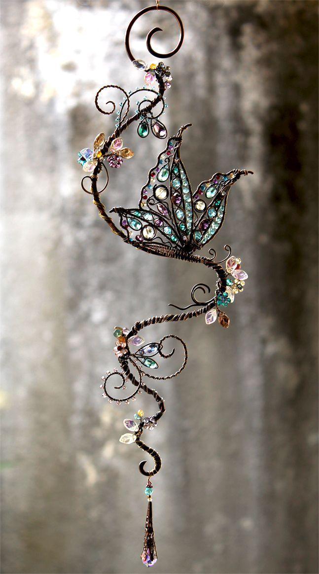 Schmetterling Edelstein und Swarovski Crystal Suncatcher von Cathy Heery von Intrinsic Designs - #Cathy #Crystal #Designs #Edelstein #Heery #Intrinsic #Schmetterling #Suncatcher #Swarovski #und #von