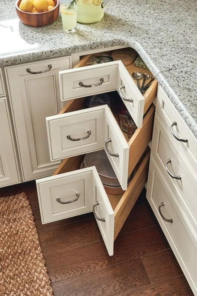 ➤ 37+ Awesome Ergonomic Kitchens Design Ideas 25 | Blogger Creative #kitchenideas #kitchendesign #kitchendecor #kitchenorganizationdiy