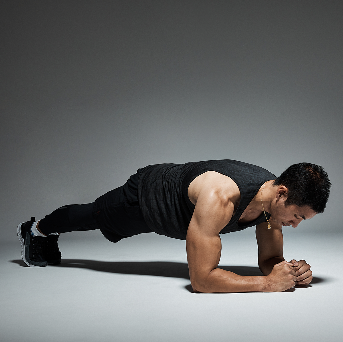 How to Do Perfect Planks | Health | Plank workout, Men's