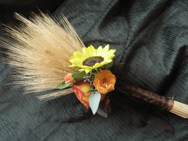 wheat with a sunflower and a peach rose. this is perfect!