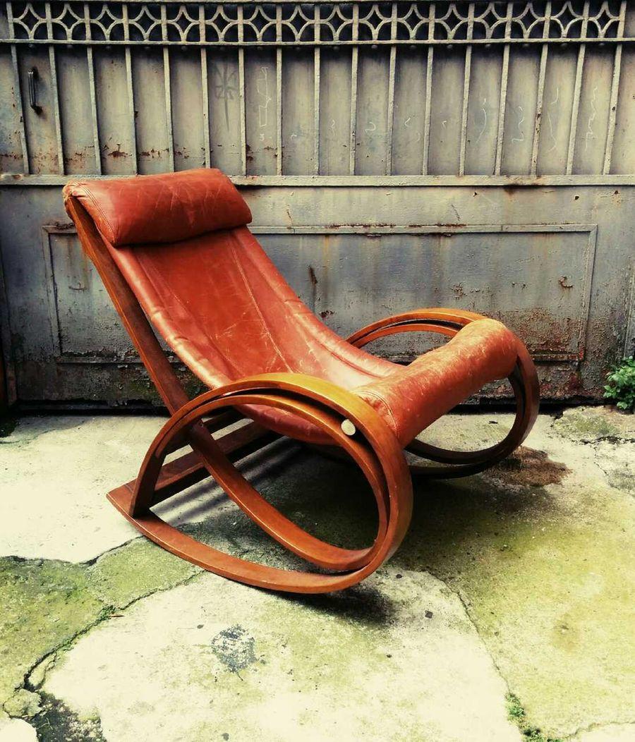 Poltrona a dondolo sgarsul vintage primi anni 39 60 gae aulenti per poltronova mobili di - Poltrona a dondolo di design ...