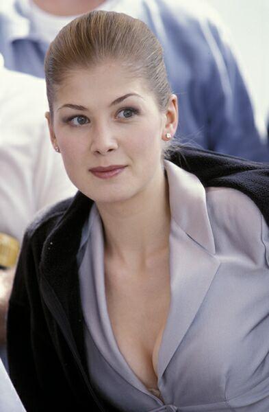Rosamund Pike Die Another Day 2002 James Bond Women James Bond Girls Bond Girls