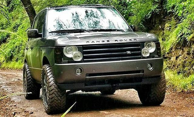 For Such A Majestic Vehicle The L322 Can Look Severely Badass By Dstuck Landrover Rangerover Landro Range Rover Hse Range Rover Supercharged Range Rover