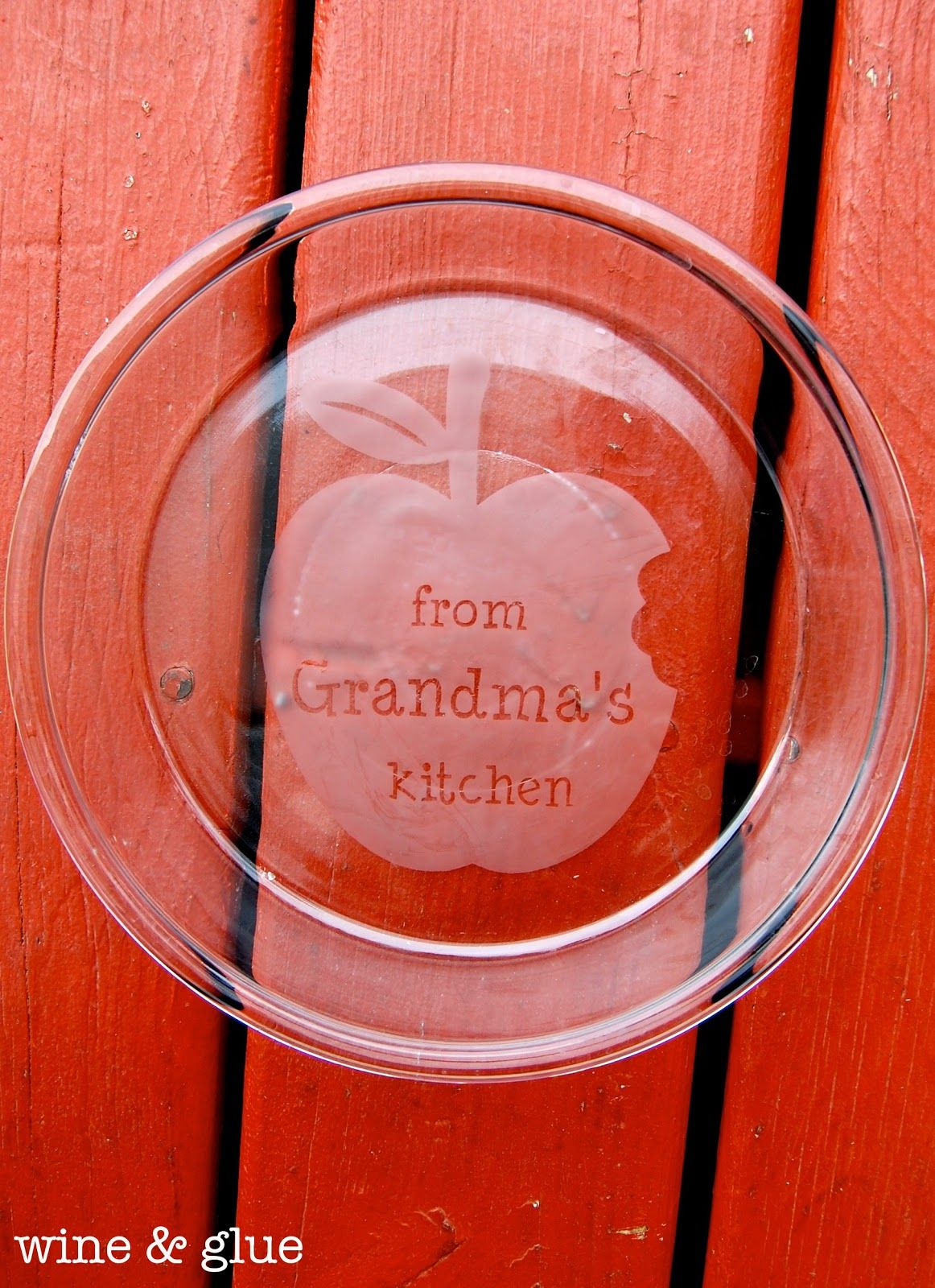 The perfect gift for a baker or pie lover! Personalized Etched Pie Plates & The perfect gift for a baker or pie lover! Personalized Etched Pie ...