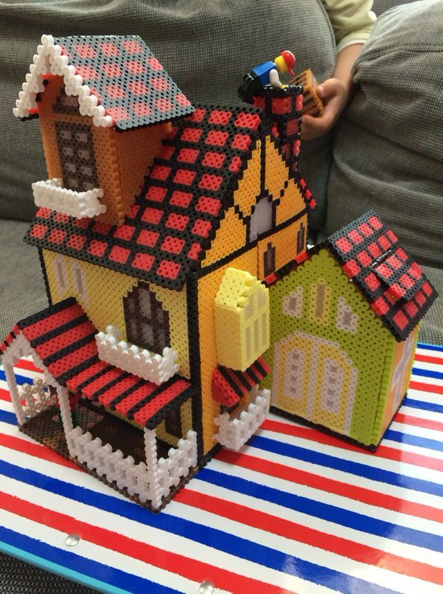 use this idea to make a house item / maybe turn it into a coin bank :) 3D Perler Bead Projects | via mutti mamma