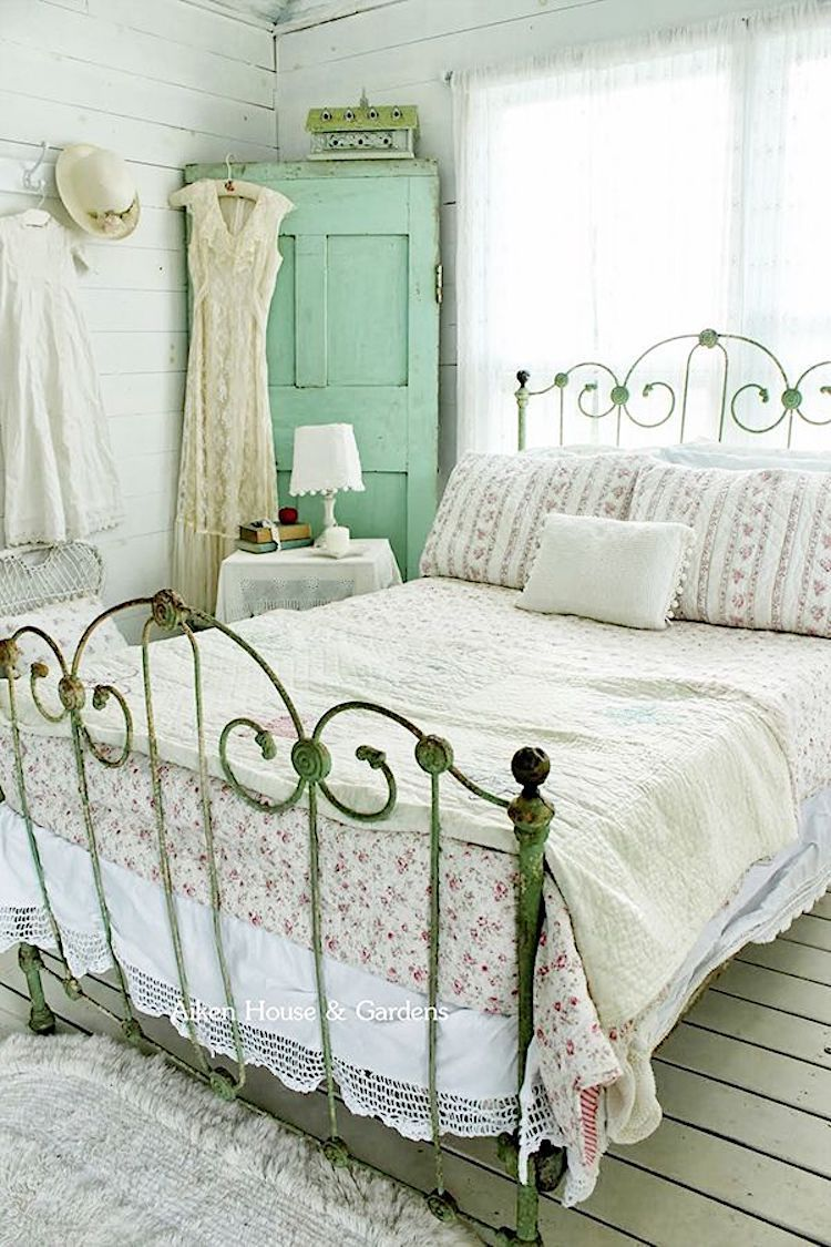 Sweet Shabby Chic Bedroom Decor Ideas | Shabby Chic Furniture ... on small cottage bedroom decorating ideas, vintage cottage bedroom decorating ideas, shabby vintage cottage bedroom,
