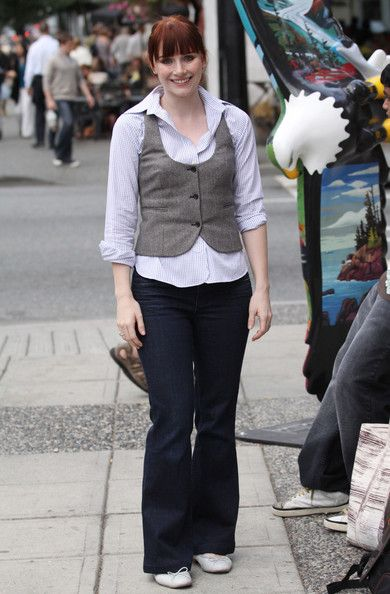 Bryce Dallas Howard Photos: Bryce Dallas Howard in Downtown Vancouver