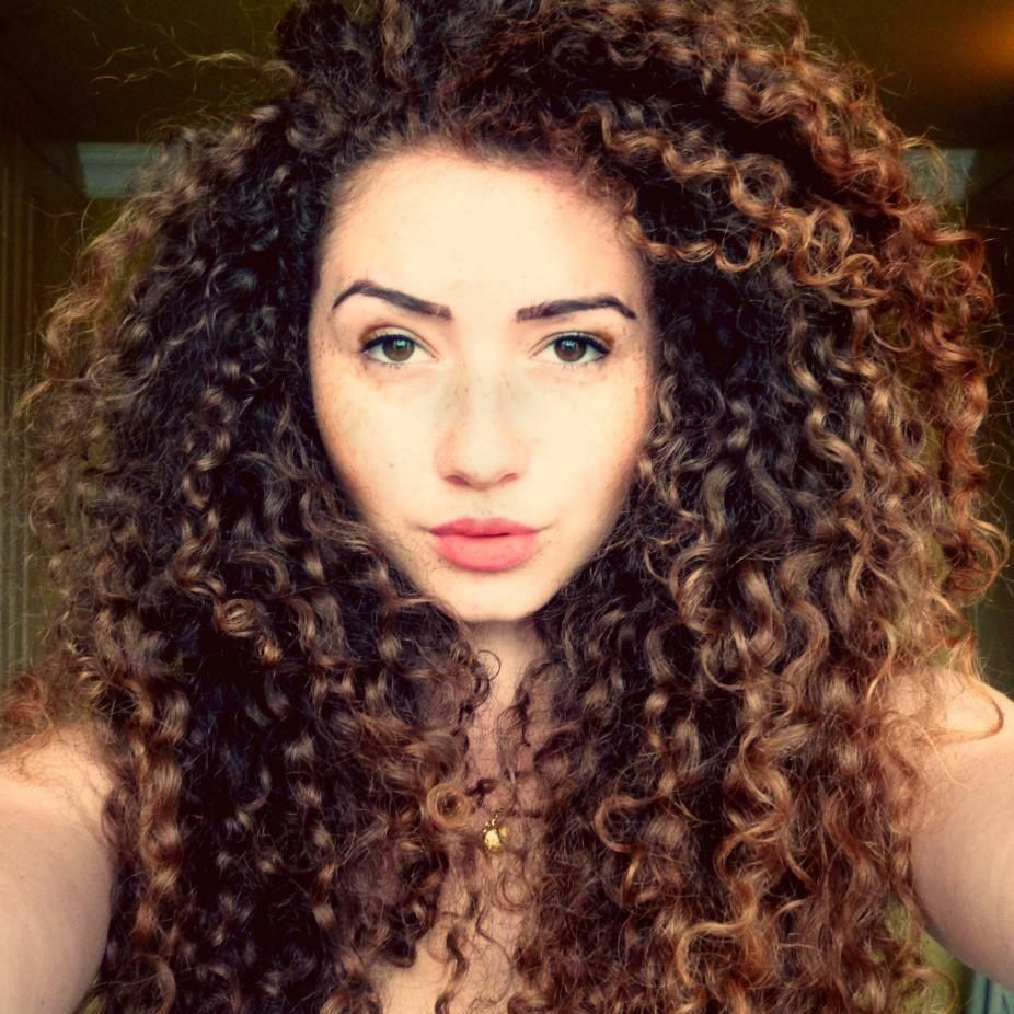 Love this hair color w/the natural curl! | beauty | Pinterest