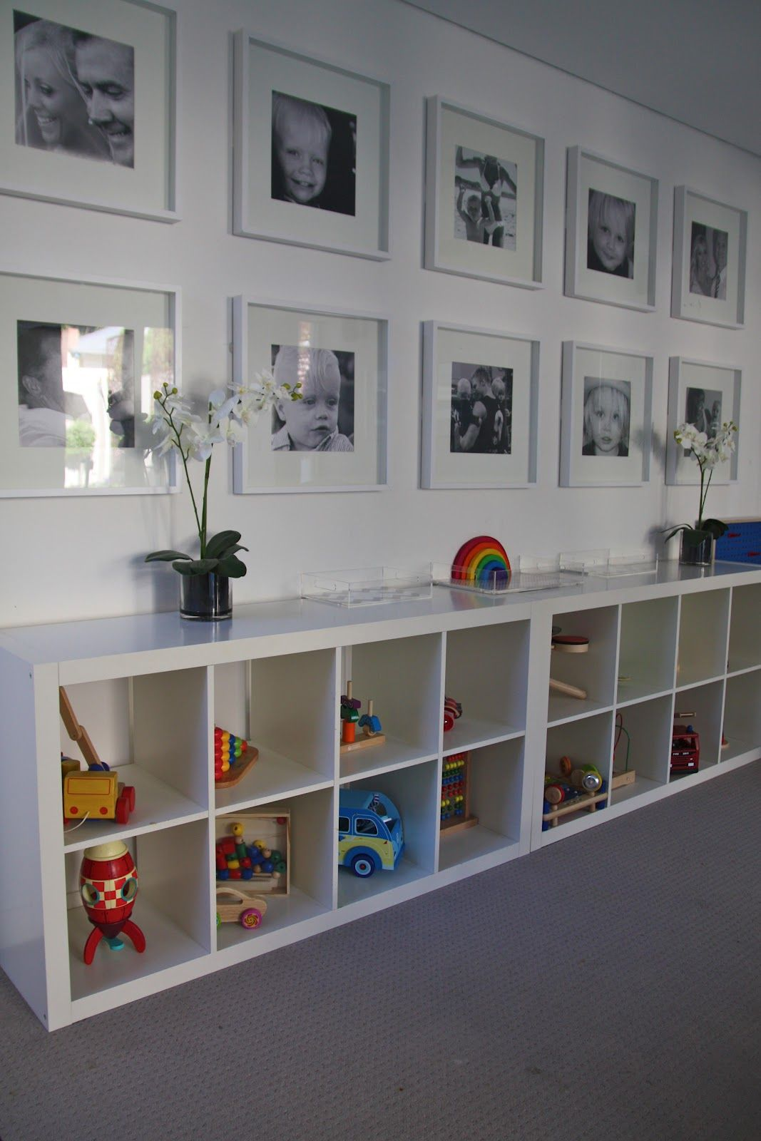 Unique Wall Unit For Drawing Room Homedecoration: Bookcase For Storage And Bench, Black And White Photos