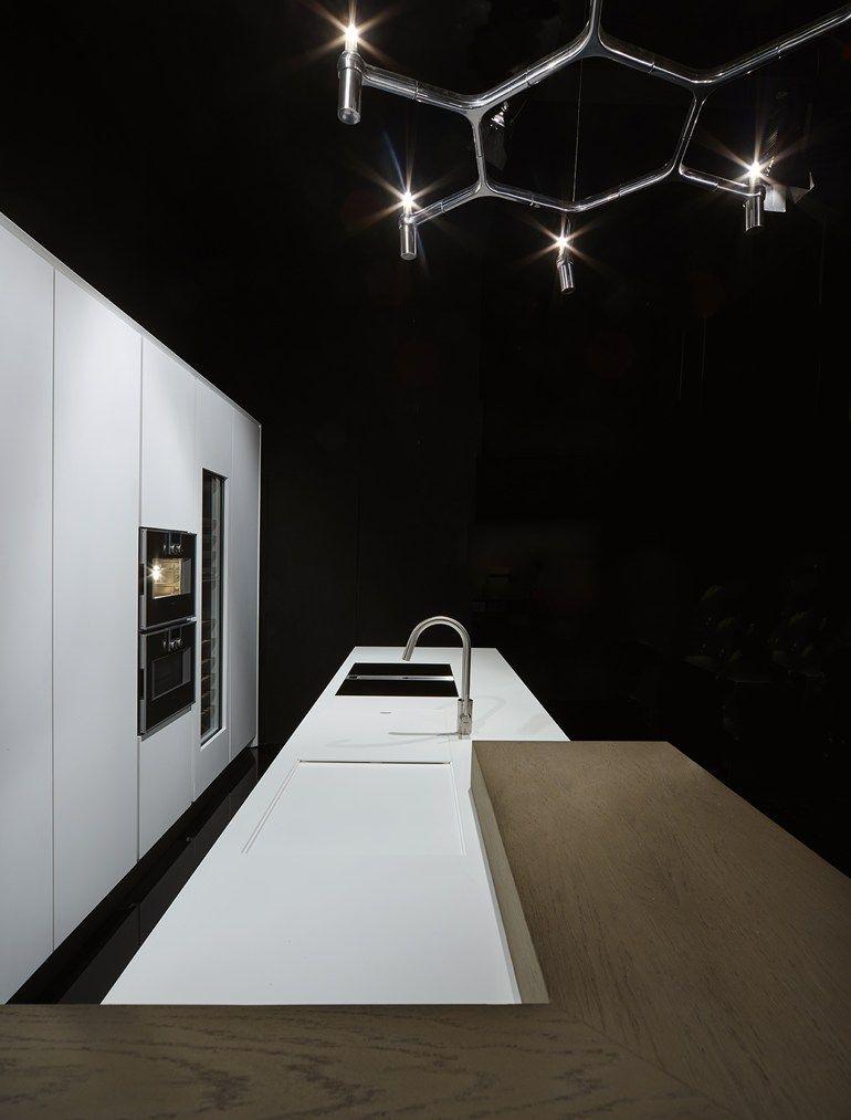 Küche aus Corian® mit Kücheninsel ONE   Küche aus Corian® by RIFRA ...