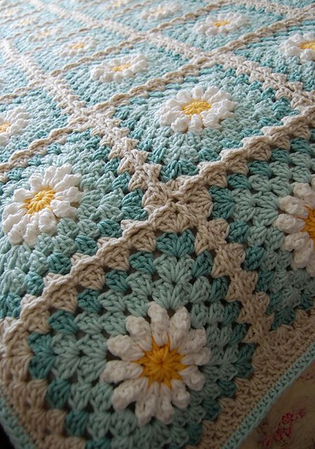 [Photo Tutorial] This Gorgeous Daisy Square Is Fun And Quick To Make – Knit And Crochet Daily – ÖRGÜ VE TIĞ