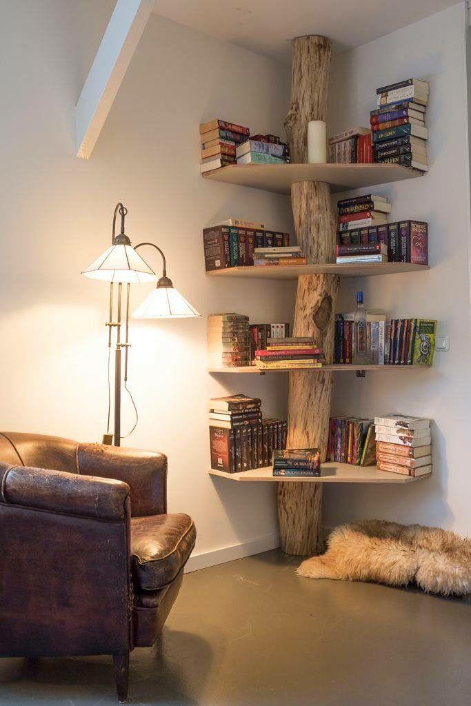 mensole e libreria fai da te in legno con utilizzo anche di tronco d